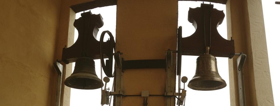 Slide 1-Tradición en Relojes Monumentales y Campanas de Iglesias